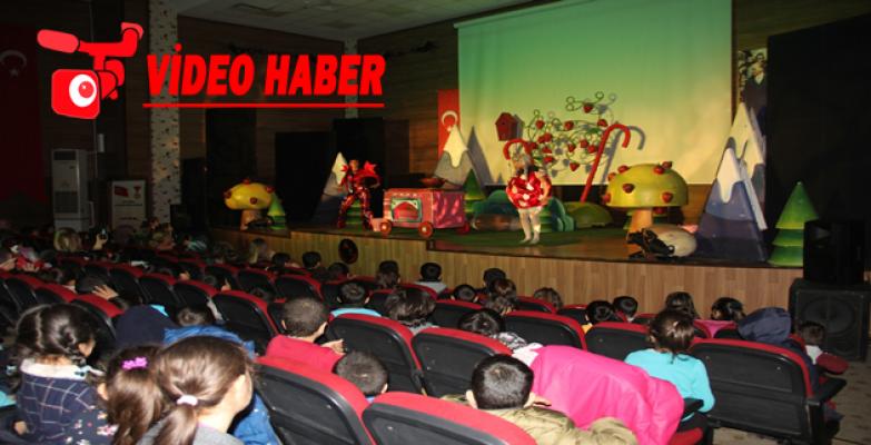 Büyükşehir Sayesinde Çocuklar Tiyatro İle Buluşuyor