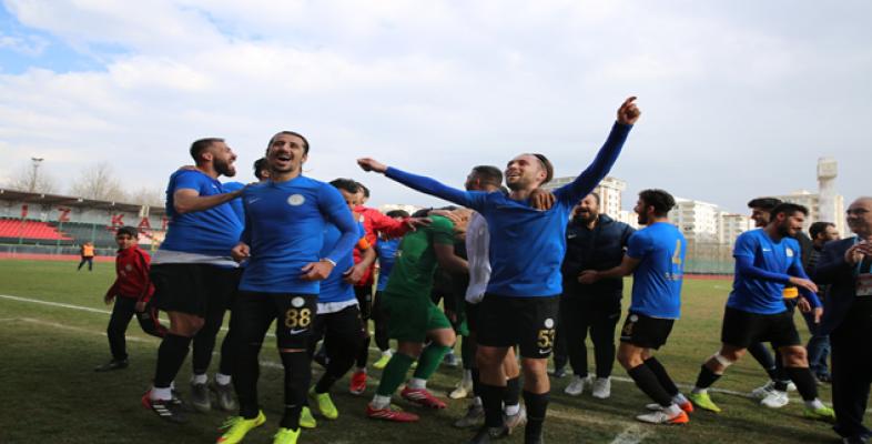 Karaköprü Belediyespor Artvin Hopaspor'u eli boş gönderdi