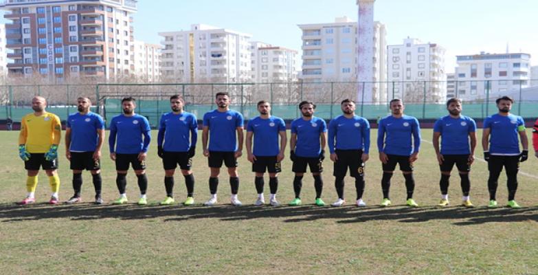 """Karaköprü Belediyespor'da """"Karabulutlar"""" dağıldı 3-1"""