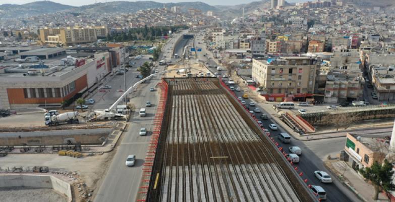 Karakoyunlu Köprülü Kavşağı Ve Viyadüğünde Beton Dökümü