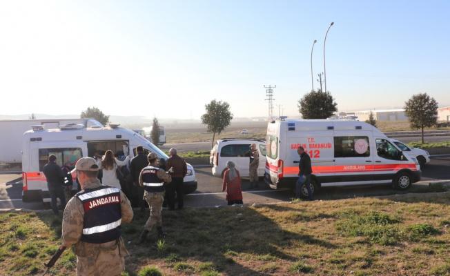 Urfa işçi servisleri çarpıştı: 7 yaralı