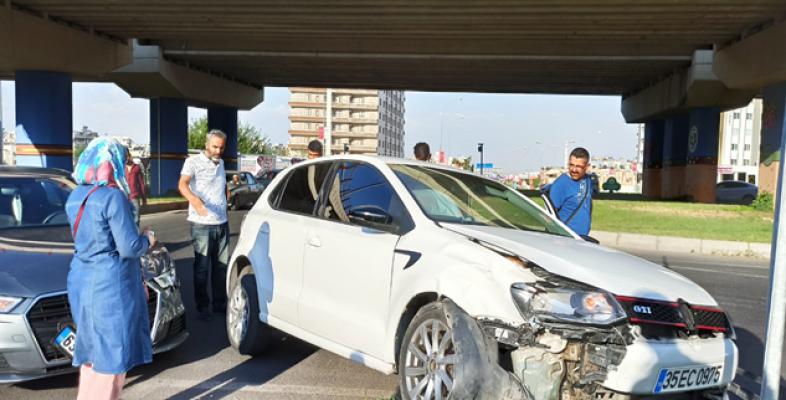 Şanlıurfa'da Yine Aynı Kavşak Yine Kaza