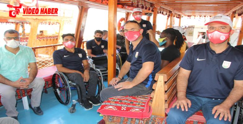 Büyükşehir'den Engelli Sporculara Ve 65 Yaş Üstü Vatandaşlara Halfeti Gezisi