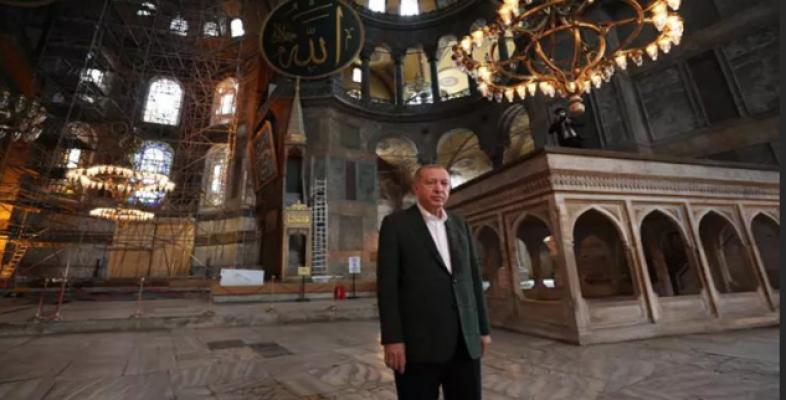 Cumhurbaşkanı Erdoğan Ayasofya Camii'nde!