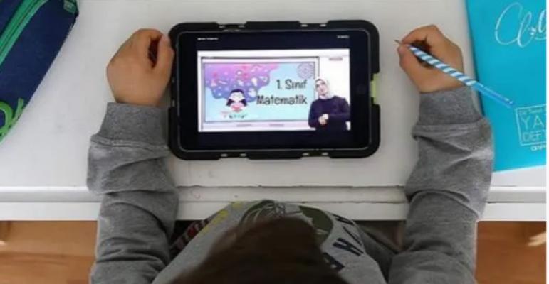 AK Parti'den öğrencilere tablet müjdesi