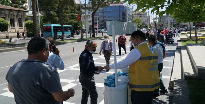 Haliliye belediyesinden ücretsiz maske dağıtımı
