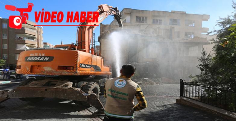Haliliye'de Metruk Yapılar Yıkılıyor