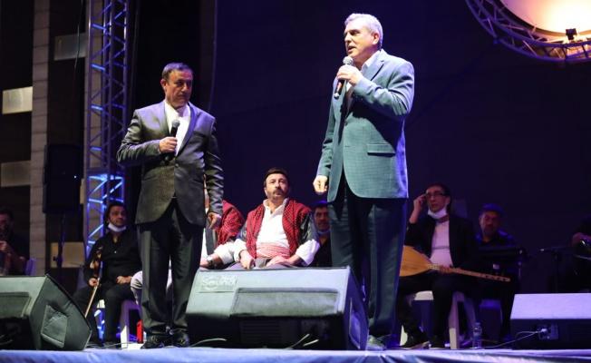 Urfalı Şiir Yorumcuları İle Mahhut Tuncer Konseri