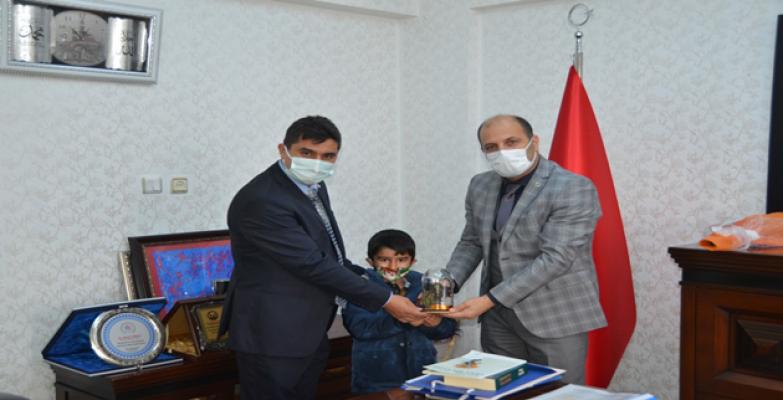 Kıran'dan  Müdür Mehdi Turğut `a anlamlı ziyaret