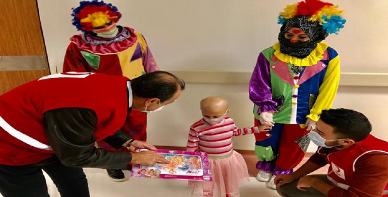 Urfa'da lösemi hastası çocuklara sürpriz