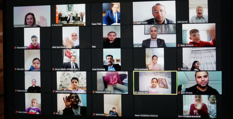 Urfalı Büyükelçi Eyyübiyeli Öğretmen ve Öğrencilerle görüştü