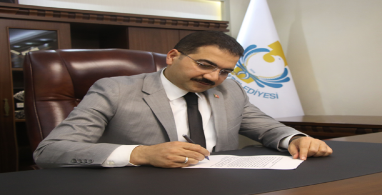 Başkan Canpolat: İstiklal Marşımızın 100'üncü yılı kutlu olsun