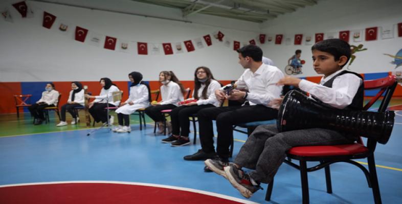 """Büyükşehir """"Hizmette Engel Yok"""" sloganıyla engelli bireylerin yanında"""