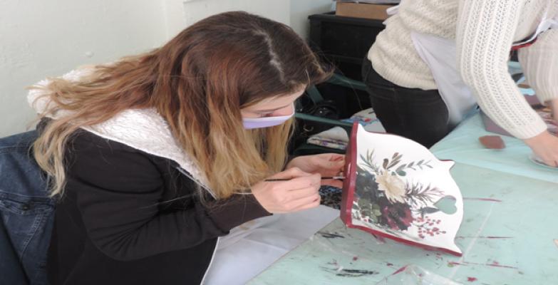 Şanlıurfa'daki Atölye 8 Kadının Gücüyle Üretim Yapıyor
