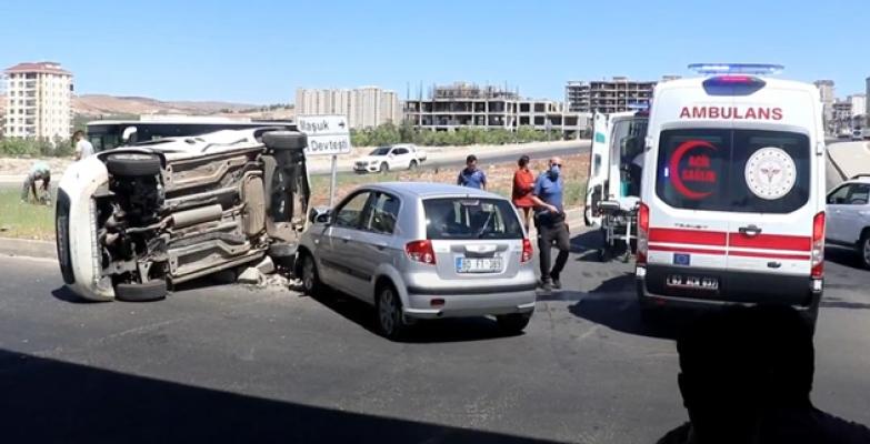 Urfa'da otomobiller çarpıştı:
