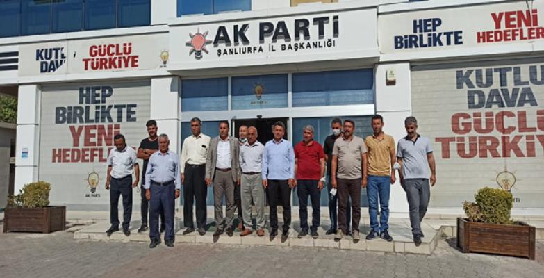 30 Mahalle Muhtarı 2 Sorun İçin AK Parti'ye Çıkarma Yaptı
