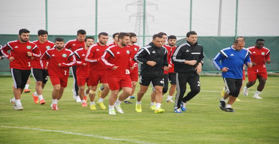 Adana maçına çift idmanla hazırlanıyor