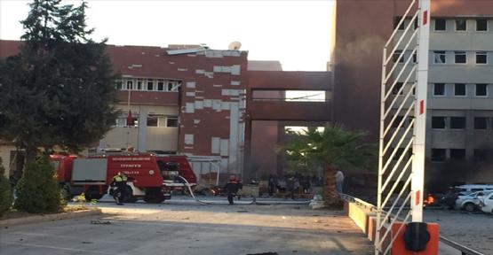 Adana Valiliği'ne Bomba Yüklü Araçla Saldırı: 2 Ölü, 21 Yaralı