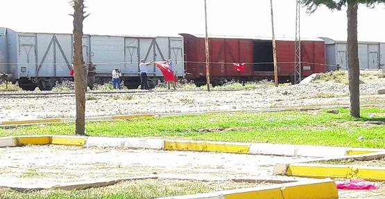 Akçakale'de Türk Bayrakları Asıldı