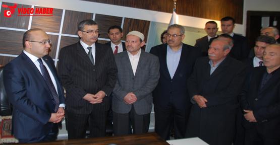 Akdoğan Belediye'yi ziyaret etti