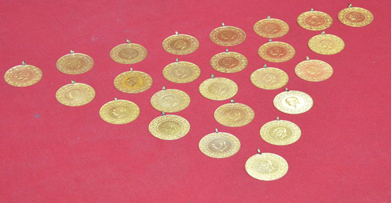 Altın hırsızları yakalandı