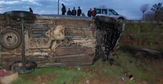 Aşırı Hız Kazaya Neden Oldu; 3 yaralı