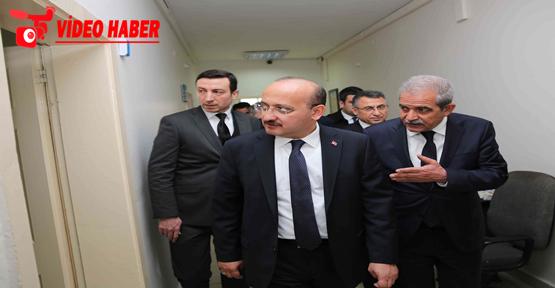 Başbakan Yardımcısı Akdoğan, Başkan Demirkol'u Makamında Ziyaret Etti