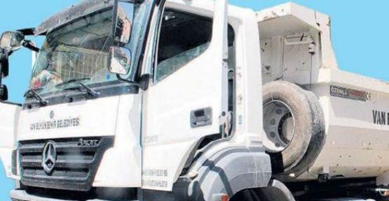 Belediyenin kamyonundan 100 kg bomba çıktı