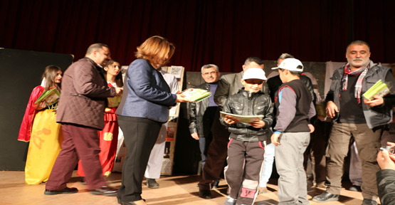 Büyükşehir Tiyatrosu, Çocukları Eğlendirerek Öğretiyor