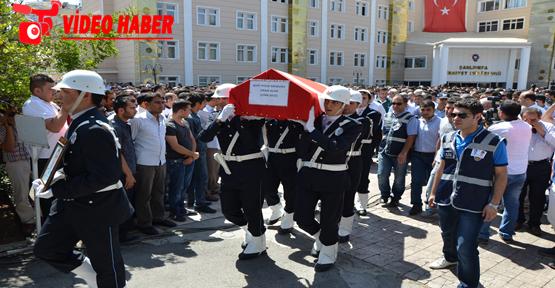 Cenazeye Şehit Abisinin Polis Elbisesi İle Geldi