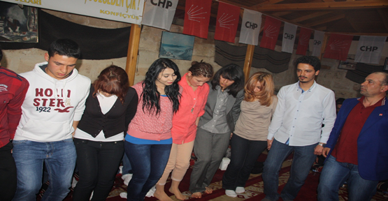 CHP'li Gençlerden Sıra Gecesi