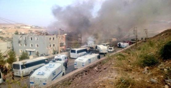 Emniyet müdürlüğüne bombalı saldırı, 11 Şehit