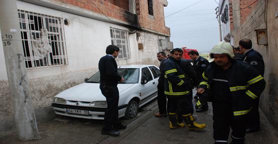 Evi Ateşe Verdi, Arabanın Camlarını kırdı