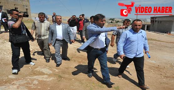 Eyyübide kaçak yapılar basına gezdirildi