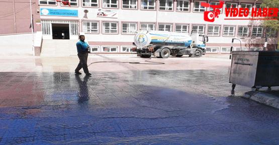 Haliliye Belediyesi, Okul Bahçelerinin Temizliğini Tamamlıyor
