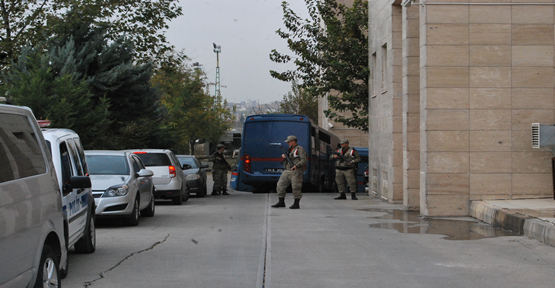 Jandarmadan kaçakçılık operasyonu; 9 gözaltı