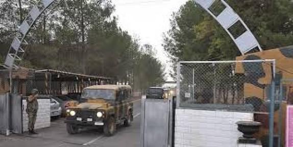Kara kuvvetleri komutanı sınırda