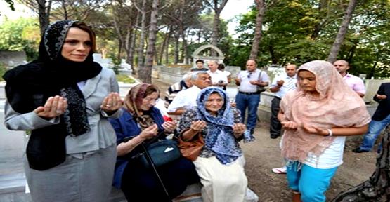 Karahan Hoca mezarı başında anıldı