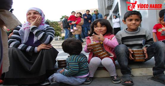 Mülteci çocuklar izdiham yarattı