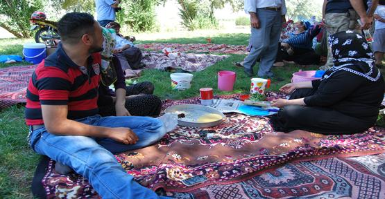 Piknik Alanları Doldu