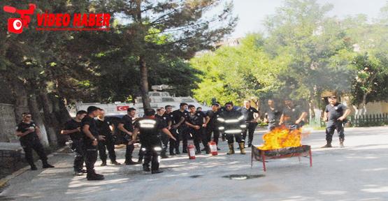 Polislere teorik ve uygulamalı eğitim