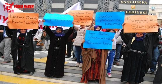 Protestoya damgasını varan döviz yazıları