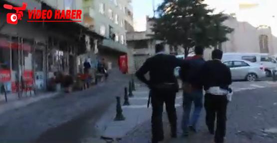 Saldırıya biber gazıyla müdahale etti