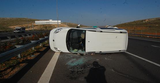 Şanlıurfa Otoban'da Kaza; 2 Yaralı