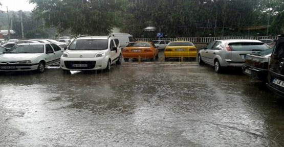 Şanlıurfa sağanak yağmura teslim