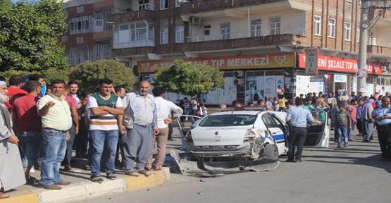 Şanlıurfa'da ekip otosu kamyonetle çarpıştı, 4 yaralı
