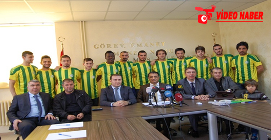 Şanlıurfaspor'da Toplu İmza Töreni