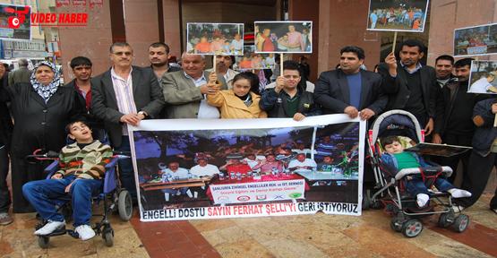 Şelli'nin görevden alınmasına engelli protestosu