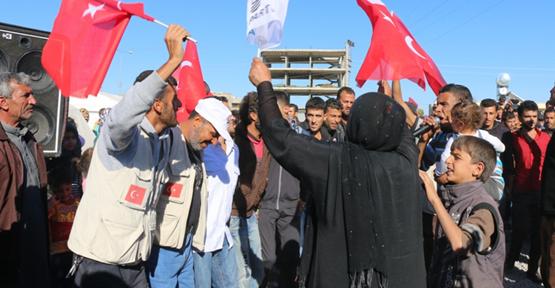 Suriyeli mülteciler AK Parti zaferini kutladı