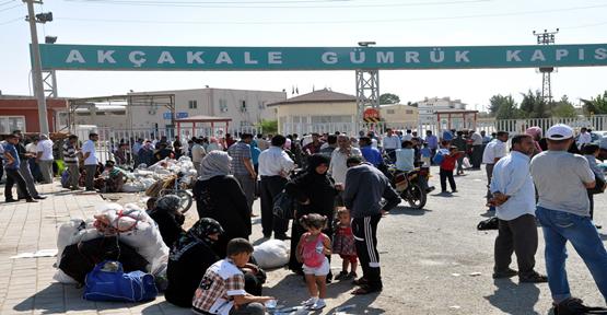 Suriyeliler Sınır Kapısına Dayandı
